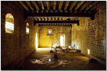 Guedelon - Cellier du logis seigneurial