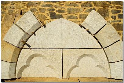 Guedelon - Fenêtre géminée-préparatifs