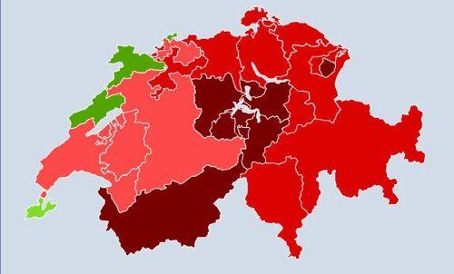 """Les résultats de l'initiative """"pour des impôts équitables"""". En rouge, refusée ; en vert acceptée."""