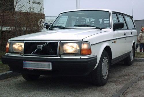 Volvo GL 240 (1993) - modèle choisi par Ingvar Kamprad.